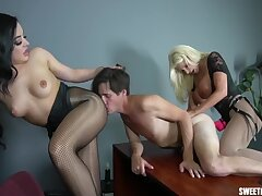 Double Pegging In The Designation - Britney Amber, Whitney Wright And Brittany Andrews