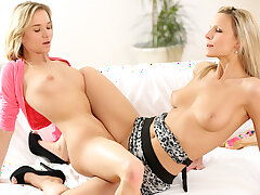 GenLez - Teen Benefactress Piaff coupled with MILF Samantha Jolie Make Hallow