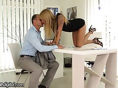 Czech female boss Angel Piaff seduces one senior tramp and sucks his cock in the post
