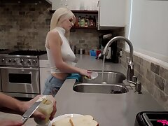 Blondie fucks like a drab after a nice teaser