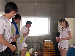 Sporty Japanese teen Ootori Kaname gangbanged at the gym