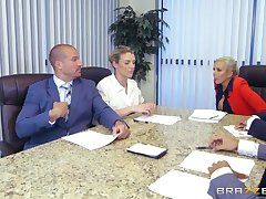 Brazzers - Nina Elle - Big Tits to hand Work