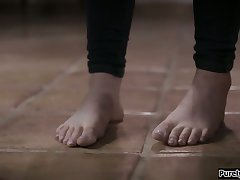 19yo stepteen wets her pants ifo stepdad
