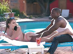 White sunbathing chick Gia Derza is having crazy quickie just about torrid black poolboy