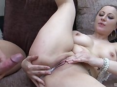 After a blowjob Lara Jade Deene wants not far from get creamed pussy hard by their way beau