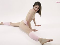 Amazing increased by charming Klara Lookova wanna flash her jugs via stretching