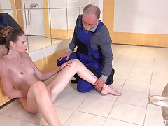 Babe bright goes down on man's old cock in perfect XXX porn