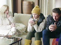 Sensual threesome with kinky GF Jenny Mason and Lara De Santis
