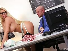 Crazy screwing on the office table with agony aunt Samantha Silver